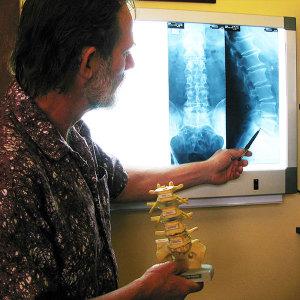 chris derkenne king street osteopathy pain relief